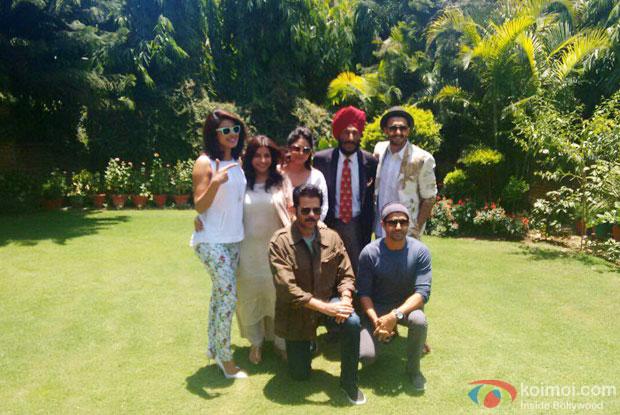 Priyanka Chopra , Anil Kapoor, Ranveer Singh and Farhan Akhtar visited  Milkha Singh's house in Chandigarh