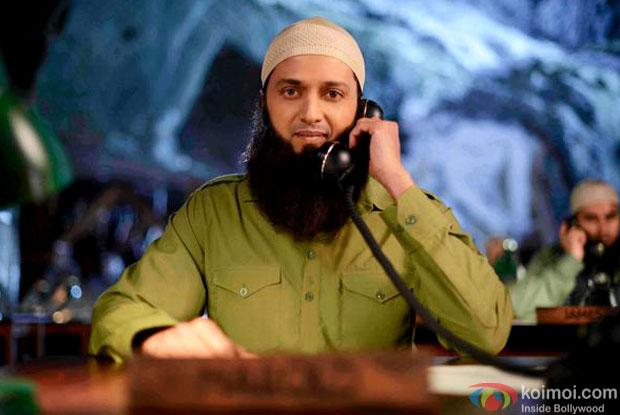 First Look : Riteish Deshmukh As Hafeez Bin Ali in 'Bangistaan'