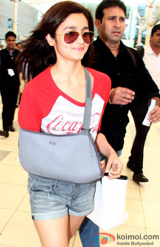 Alia Bhatt Snapped At Airport