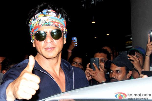 Shah Rukh Khan Snapped At Airport