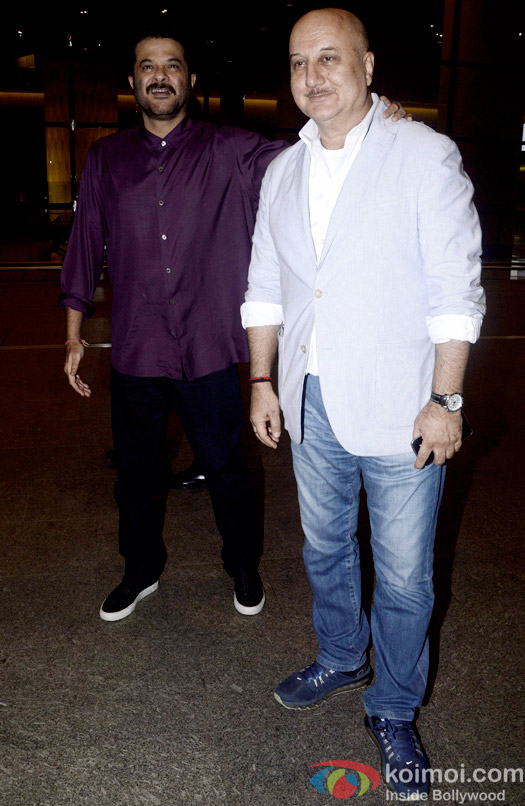Snapped At Airport : Anil Kapoor and Anupam Kher