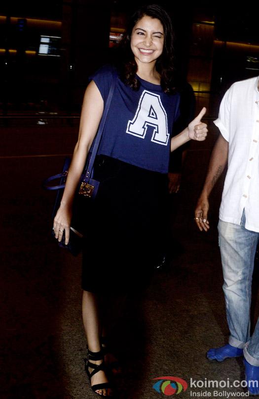 Snapped At Airport : Anushka Sharma