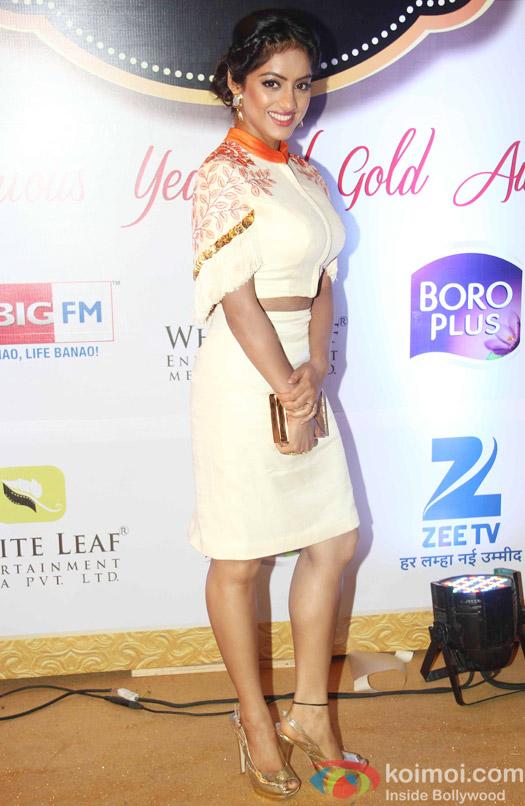 Deepika Singh At Zee Gold Awards 2015 Red Carpet