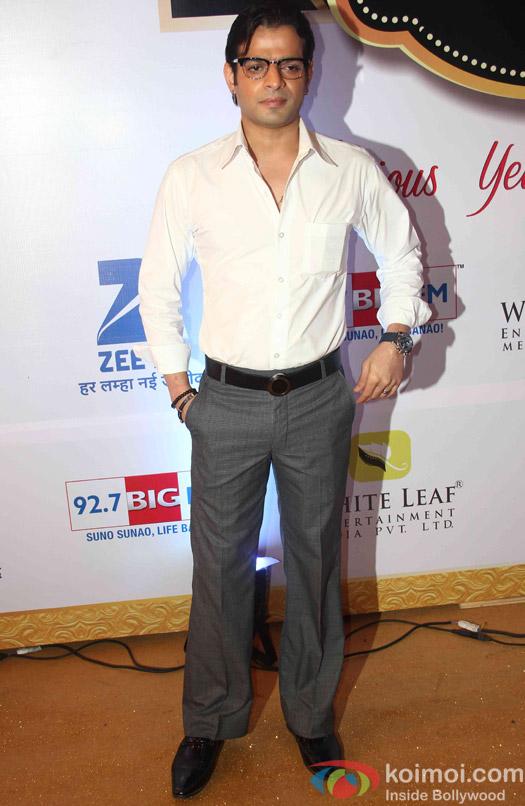 Karan Patel At Zee Gold Awards 2015 Red Carpet
