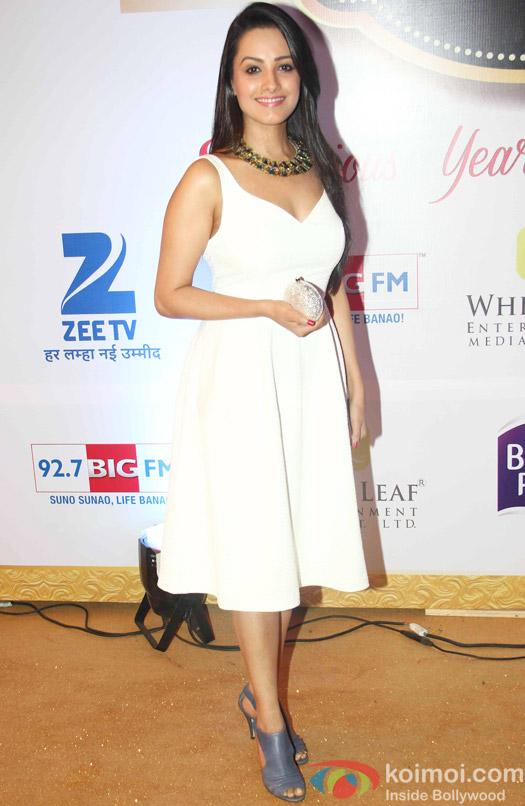 Anita Hassanandani At Zee Gold Awards 2015 Red Carpet