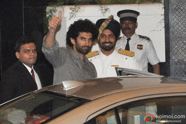 Aditya Roy Kapur Snapped At Arjun Kapoor's Birthday Bash