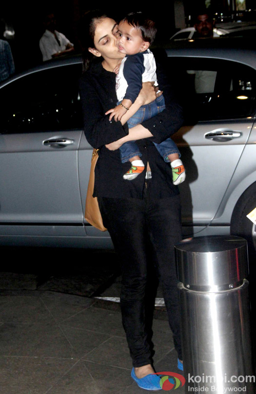 Snapped At International Airport:  Genelia Dsouza with son Riaan