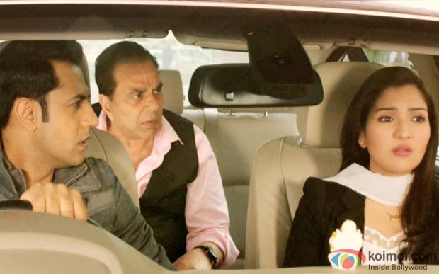 Gippy Grewal, Dharamendra and Tina Ahuja in a still from movie 'Second Hand Husband'