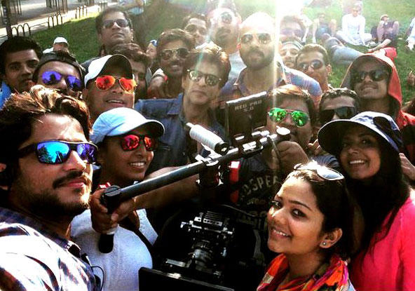Shah Rukh Khan and Rohit Shetty On The Sets Of 'Dilwale' In Bulgaria