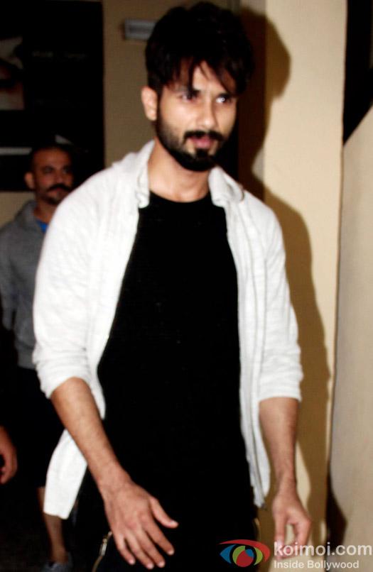 Shahid Kapoor snapped at pvr juhu