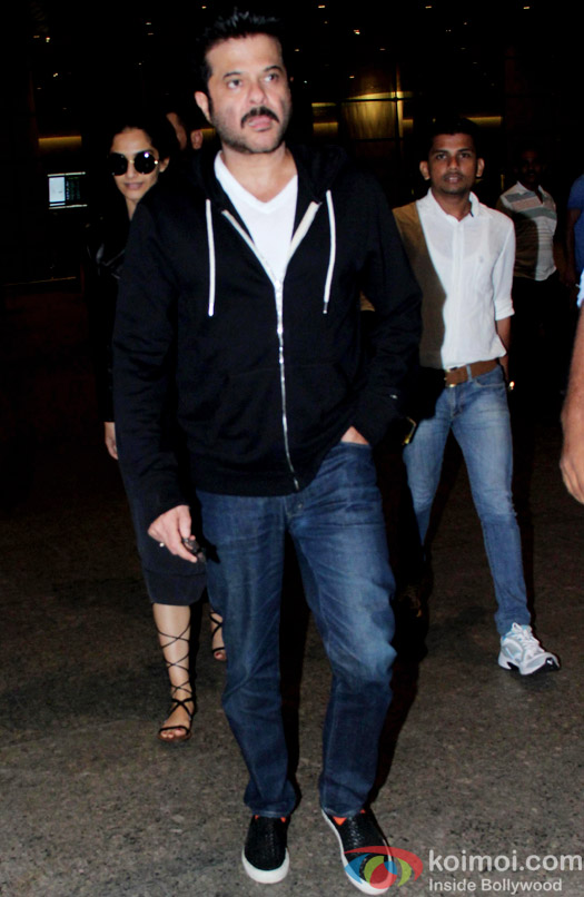 Sonam Kapoor And Anil Kapoor Spotted At Airport