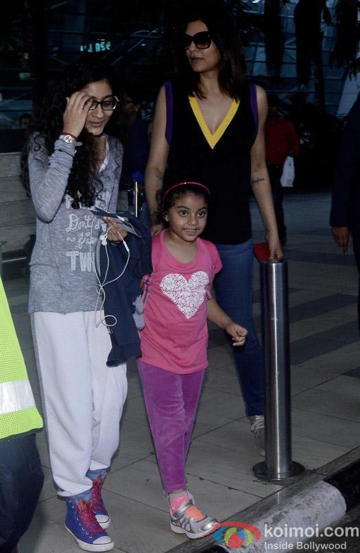 Renee Sen, Alisah Sen and Sushmita Sen Spotted At Airport