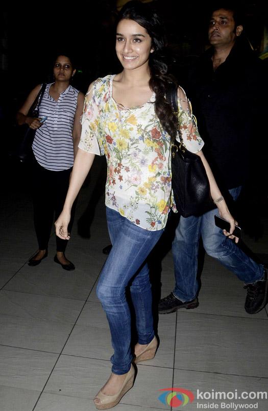 Spotted : Shraddha Kapoor At Mumbai Airport