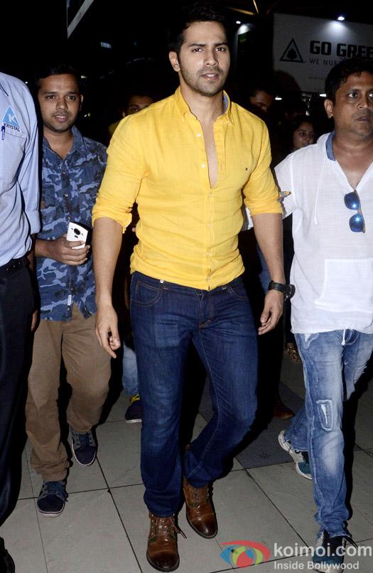 Spotted : Varun Dhawan At Mumbai Airport