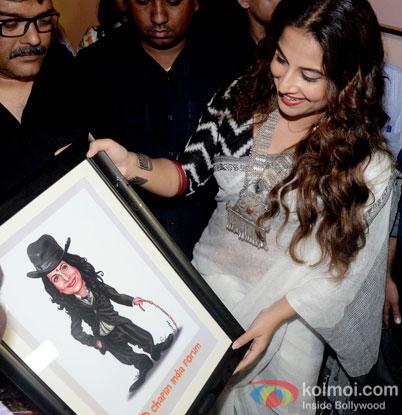 Vidya Balan Snapped At The Inauguration Of Exhibition Chaplin Lines