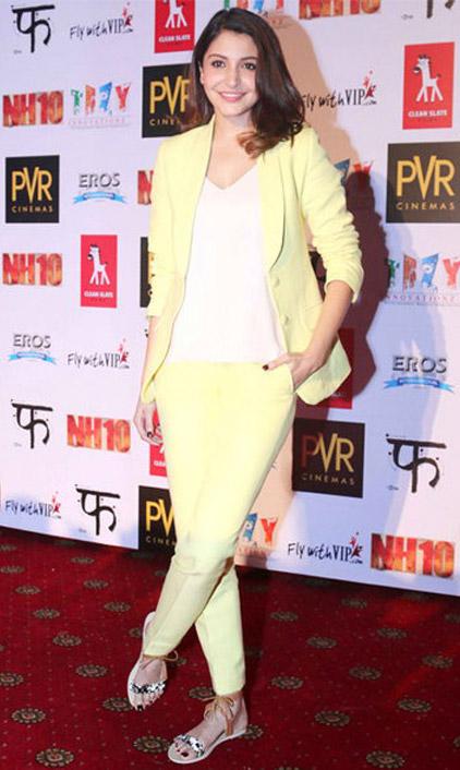 Sunny Side Up : Anushka Sharma In Diva'ni Suit