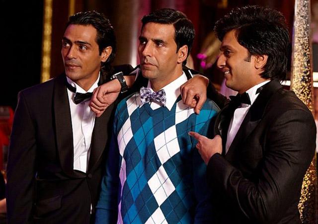 Akshay Kumar in a still from movie Housefull (2010)