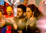 Abhishek Bachchan and Sonakshi Sinha in All Is Well Movie Stills Pic 2