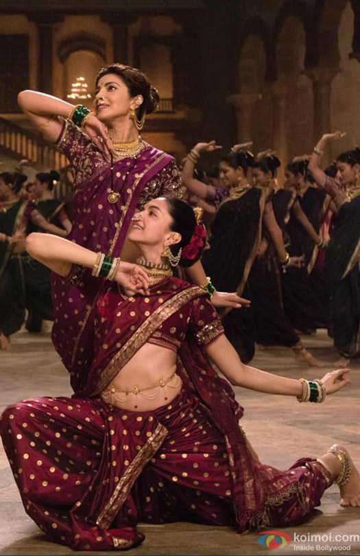 Priyanka Chopra and Deepika Padukone in Bajirao Mastani Movie Stills Pic 1