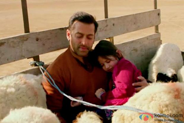 Salman Khan and Harshaali Malhotra in a still from movie 'Bajrangi Bhaijaan'