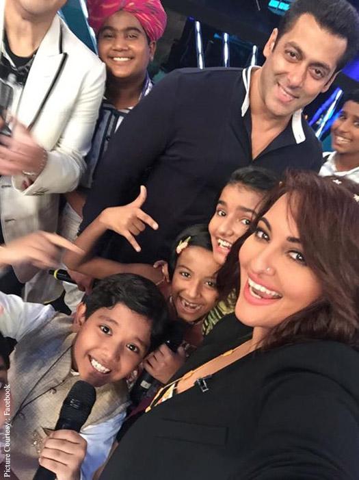 Salman Khan and Sonkashi Sinha during the Promotion Bajrangi Bhaijaan on the sets of Indian Idol Junior
