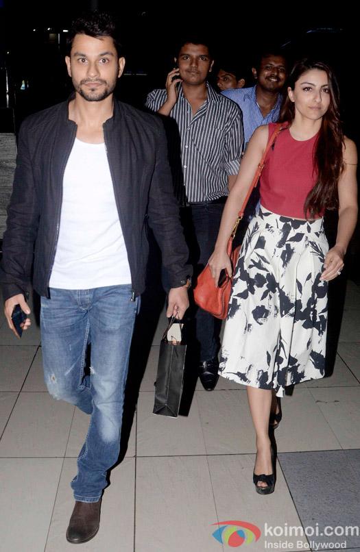 Kunal Khemu and Soha Ali Khan Snapped At Domestic Airport