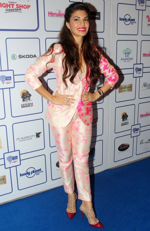 Bubbly Pink : Jacqueline Fernandez In Akansha Gajria Suit