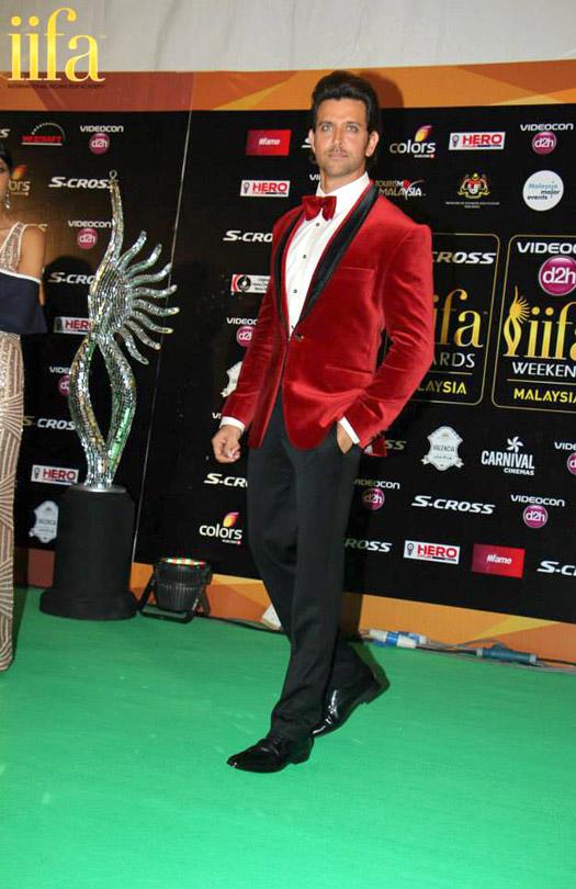 Hrithik Roshan at IIFA 2015 Green Carpet