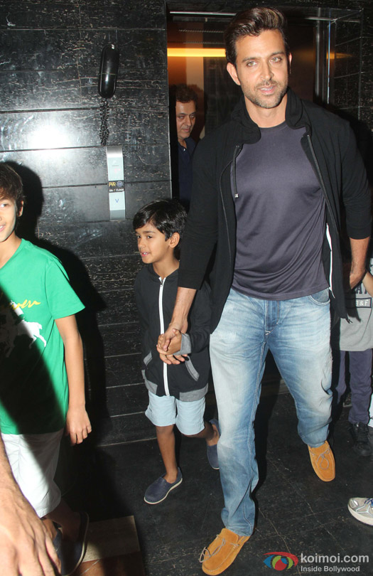 Hrithik Roshan Snapped With His Kids