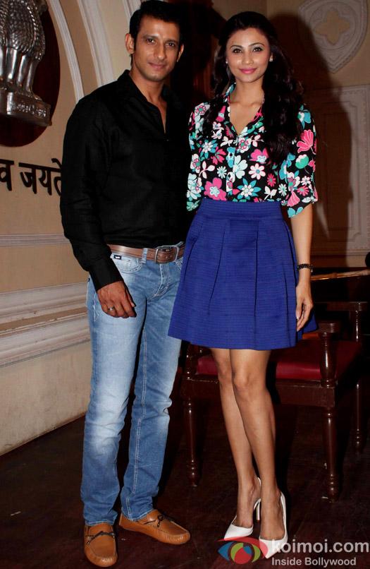 Sharman Joshi and Zarine Khan on the sets of movie Hate story 3