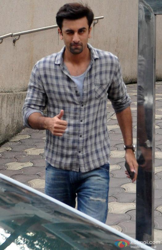 Ranbir Kapoor Snapped At Bandra
