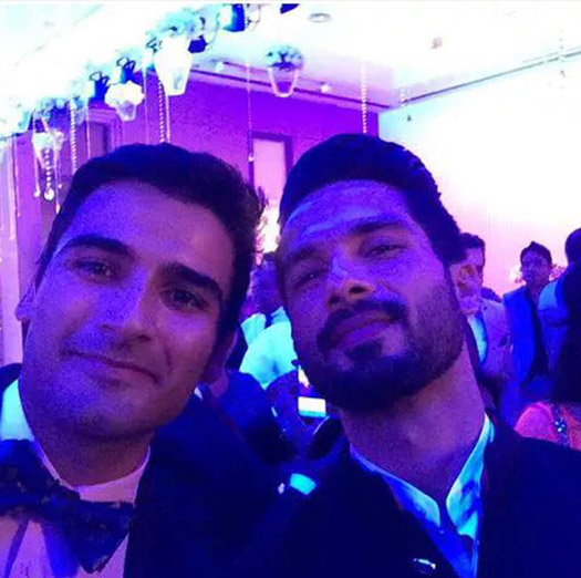 Shahid kapoor at a Selfie Spree after the Wedding