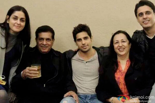 Sidharth Malhotra with his family members