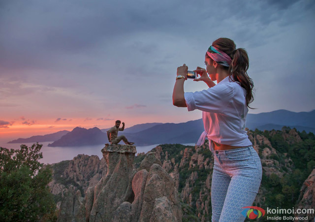 Ranbir Kapoor and Deepika Padukone in Tamasha Movie Stills Pic 6