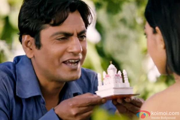 Nawazuddin Siddiqui and Radhika Apte in a still from movie 'Manjhi - The Mountain Man'