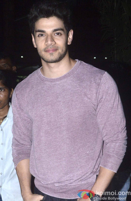 Sooraj Pancholi Spotted At Airport