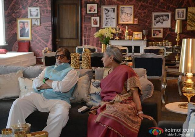 Amitabh Bachchan and Jaya Bachchan on the sets of movie 'Ki And Ka'