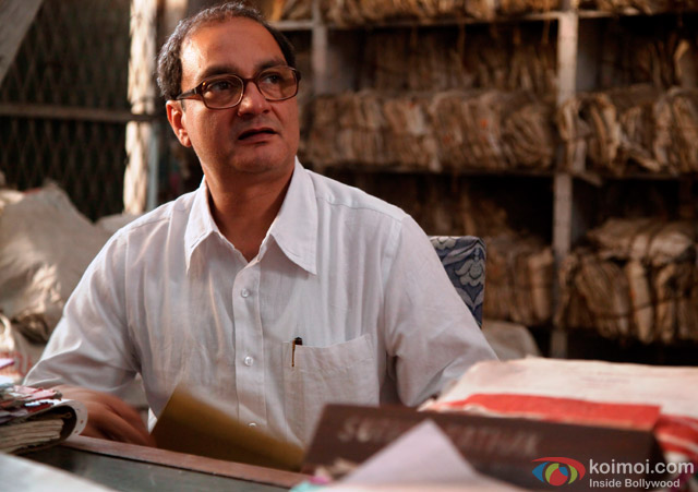 Vinay Pathak in 'Gour Hari Dastaan - The Freedom File' Movie Stills Pic 4