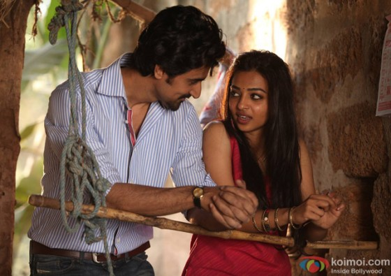 Kunal Kapoor and Radhika Apte in 'Kaun Kitney Paani Mein' Movie Stills Pic 1