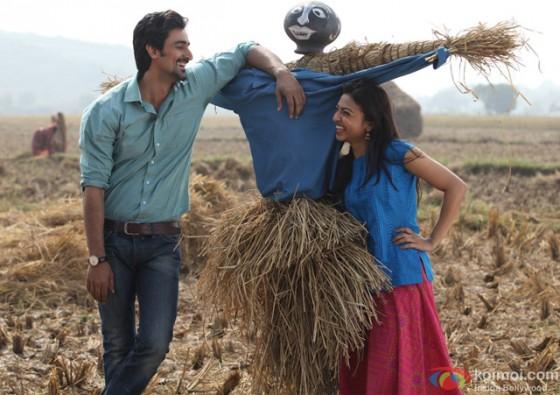 Kunal Kapoor and Radhika Apte in 'Kaun Kitney Paani Mein' Movie Stills Pic 2