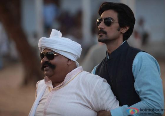 Saurabh Shukla and Kunal Kapoor in 'Kaun Kitney Paani Mein' Movie Stills Pic 1