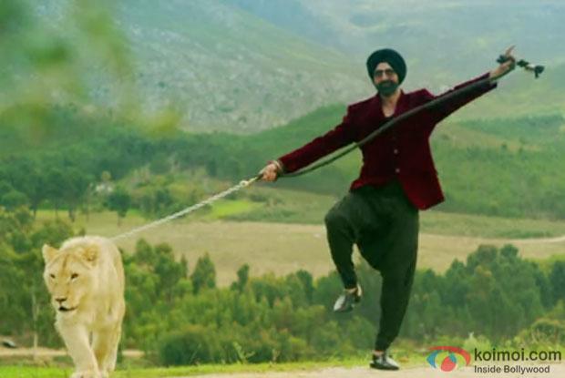 Akshay Kumar in a still from movie 'Singh Is Bliing'