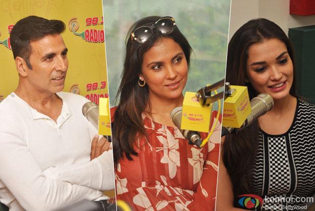Akshay Kumar, Lara Dutta and Amy Jackson Promoting Singh is Bling At Radio Mirchi