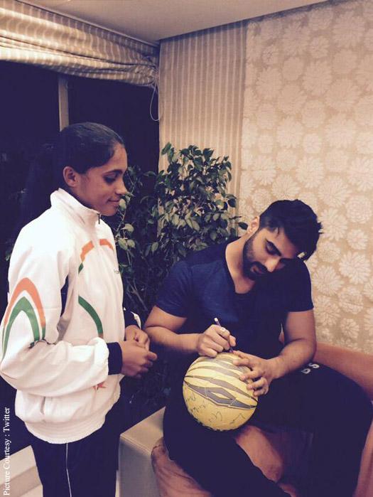 Arjun Kapoor supports Slum Soccer Team