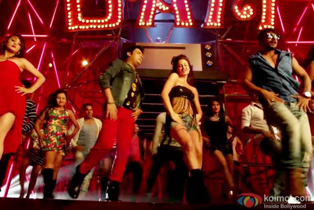Kapil Sharma and Elli Avram in a 'Bam Bam' song still from movie 'Kis Kisko Pyaar Karoon'