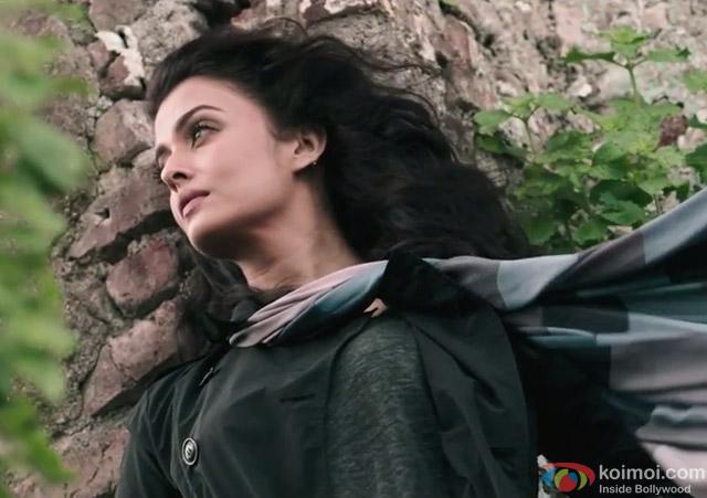 Aishwarya Rai Bachchan in a 'Bandeyaa' song still from movie 'Jazbaa'