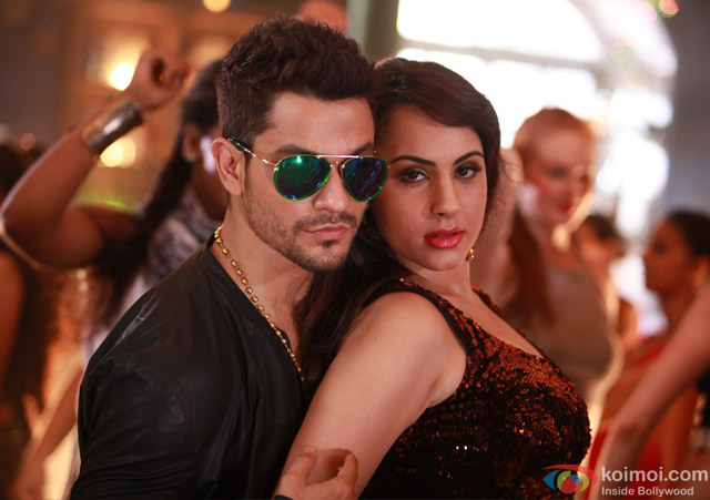 Kunal Kemmu and Deana Uppal in a still from movie 'Bhaag Johnny'