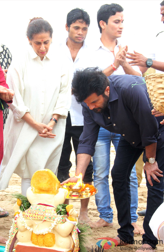 Sunita Kapoor and Anil Kapoor during the ganpati visarjan