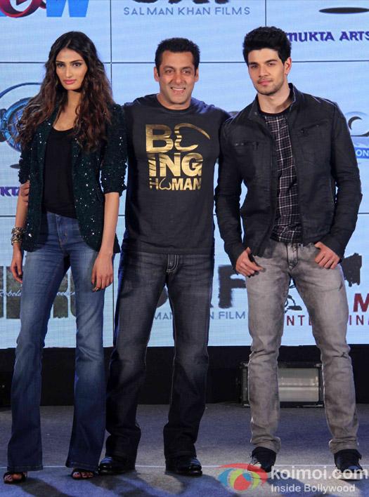 Athiya Shetty, Salman khan and Sooraj Pancholi During The Hero Music Concert