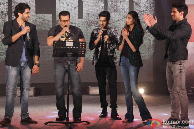 Amaal Mallik, Salman Khan, Armaan Malik, Athiya Shetty and Sooraj Pancholi During The Hero Music Concert